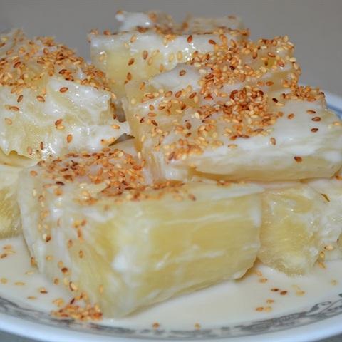Khoai mì nấu nước cốt dừa